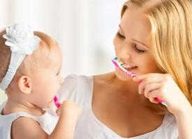Brossage des dents des enfants