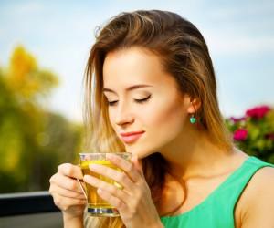Quelles solutions pour des dents jaunies par le café ?