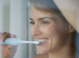 Brosse à dents électrique : 3 critères pour choisir